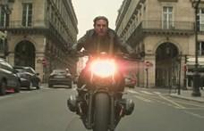 Lelkesen csinálja a házi feladatát Tom Cruise – krosszmotorozik a Mission Impossible 7 miatt