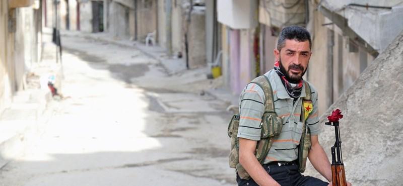 A dzsihádista belharc beszüntetésére szólított fel Zavahíri