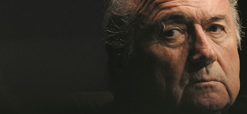 Kihallgathatják Blattert – 53 gyanús átutalást találtak a foci-vb-k ügyében