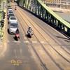 A járdára felhajtva próbált meglógni a rendőrök elől egy robogós Budapesten