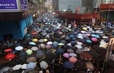 Folytatódó hongkongi tüntetések: 29 embert őrizetbe vettek