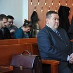 Kizárta magát a bíró a volt főrendőr tárgyalásáról