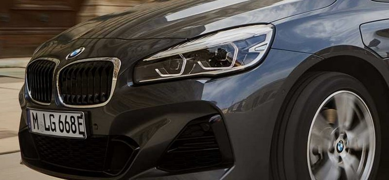 Nagyobb elektromos hatótávú lett a BMW zöld rendszámos 2-es modellje