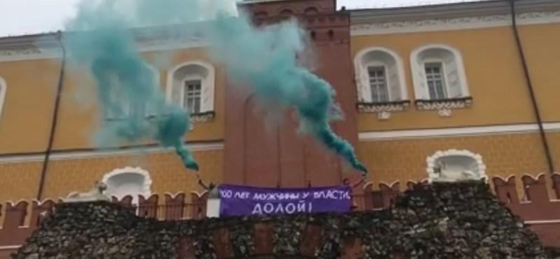 Feministák tüntettek a Kremlnél, le is kapcsolták őket