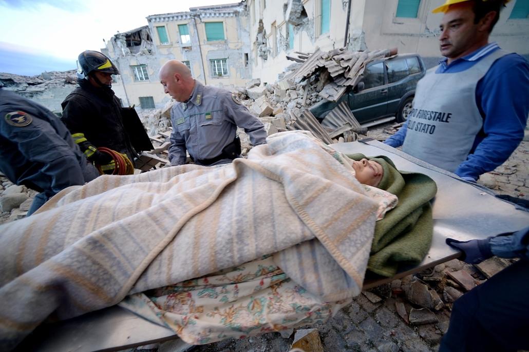 afp.16.08.24. - Amatrice, Olaszország: Olaszországi földrengés - A természeti csapásnak legkevesebb hat halálos áldozata és számos sérültje van.