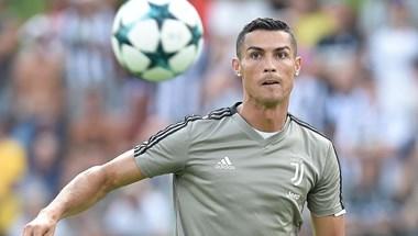 Cristiano Ronaldo belőtte a 700. gólját, de Ukrajna jutott ki az Európa-bajnokságra