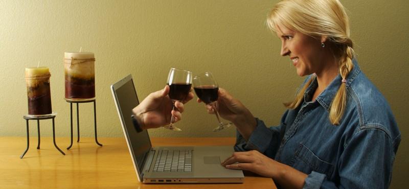 Vékonyabb. fiatalabb, szebb: te is füllentesz az online társkereső oldalakon?