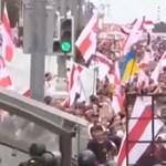 Százával tartóztatták le a tüntetőket Fehéroroszországban