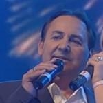 Fásy Ádám egy lányával közös duettel köszöntötte fel Orbán Viktort