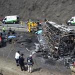 Katolikus zarándokok busza borult fel Mexikóban, sokan meghaltak