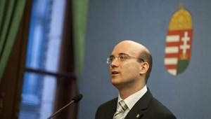Megvan az új köznevelési államtitkár: Maruzsa Zoltán letette hivatali esküjét