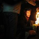 Hallgatói szerződéseket égettek az egyetemisták a Széll Kálmán téren