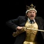 Egy pillanat alatt darabokra lehet szedni az eszméinket – az Örkény Színház előadása a hvg.hu-n