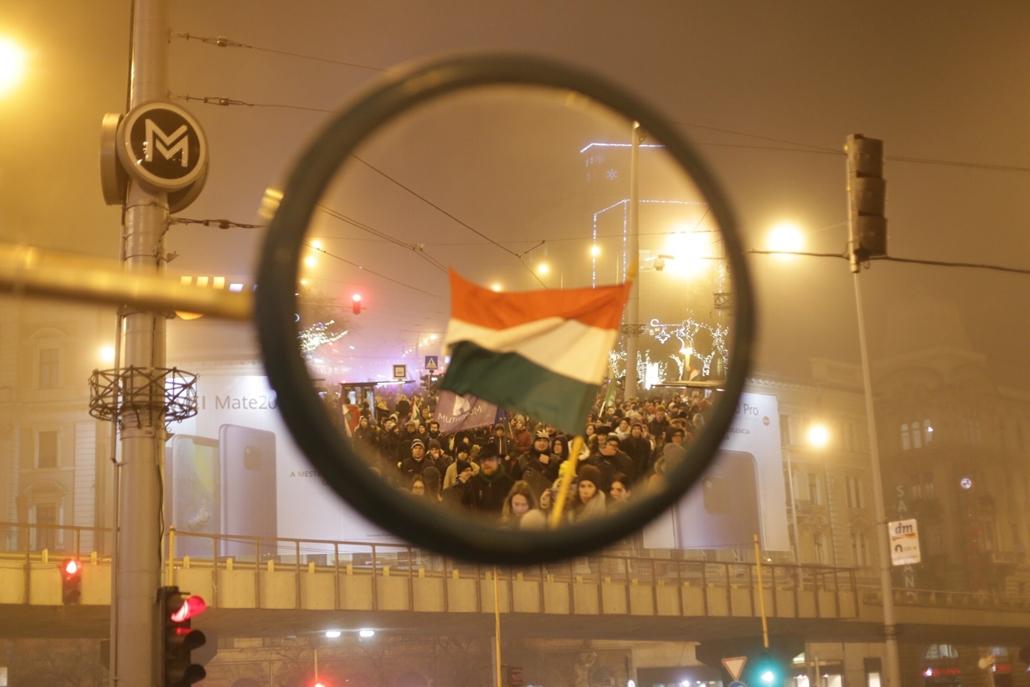 e! 18.12.13. rabszolgatörvény tüntetés