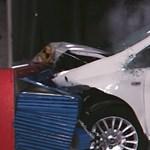 Van egy autó, amelyik nulla csillagot kapott a törésteszten – videó