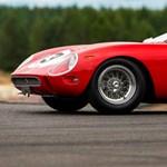 Megadhatják a 13 milliárd forintot is ezért a Ferrariért