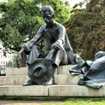 Karanténvonat járja Pest utcáit - így ünneplik a magyar költészet napját