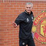 Mourinho már a sajtóhoz is ért és szereti Wayne Rooney-t