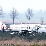 Lezuhant egy török repülőgép Amszterdamban - Sokkoló képek