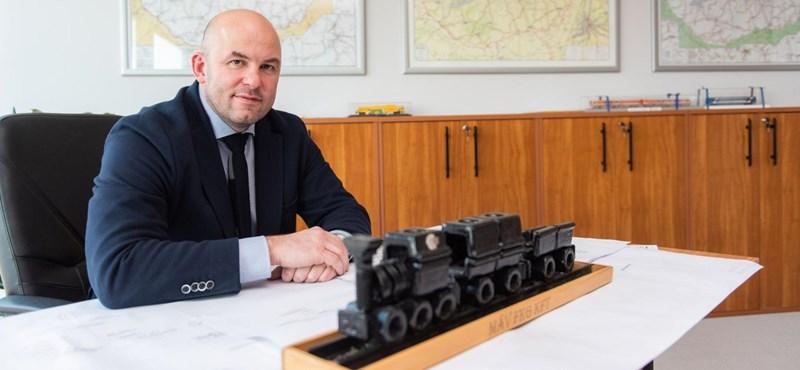 A MÁV-vezér szerint legalább 6-8 év kell még, míg versenyezni tudnak az autókkal