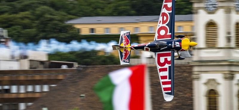 Red Bull Air Race: Martin Sonka nyerte a budapesti időmérőt