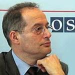 Becsületrenddel tüntették ki Haraszti Miklóst
