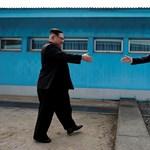 Ezek a cuki kiskutyák vajon mennyit tesznek a két Korea közti békéért?