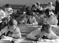Nahalka István a Fülkében: Engedelmes gyerekeket nevel az új NAT