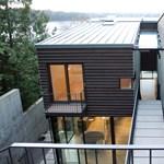Egy extrém lejtőre épült lakóház - Jópofa ötletek és szédítő panoráma