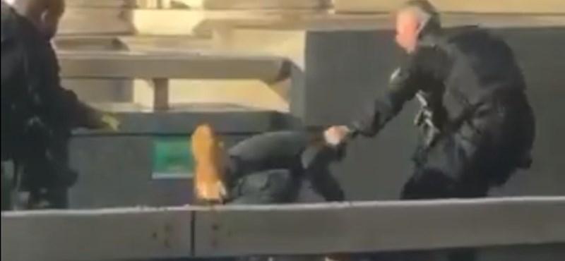 Videó arról, hogyan akadályozták meg, hogy a londoni merénylő másokat is megöljön