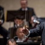 Zenészei szerint megalázza őket a világhírű karmester, Daniel Barenboim