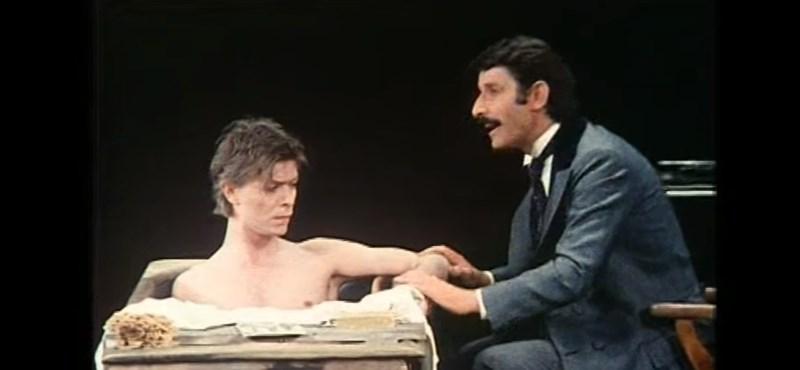 Meghalt az író, akinek a főhősét David Bowie is eljátszotta