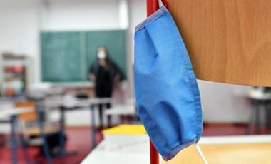 A tanárok üdvözlik az iskolabezárást, de a szülőknek feladja a leckét a távoktatás