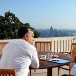 Erkély jelenetben Schmitt Pál és Orbán Viktor