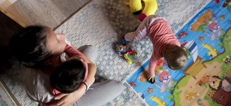 Magyarországon 7 nap, Finnországban 7 hónap fizetett szülői szabadság jár az apáknak