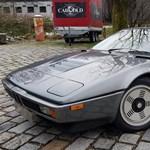 Vissza a 80-as évekbe: szuperritka és alig használt BMW M1 várja új gazdáját