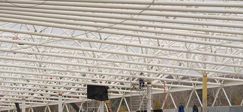 Magyar siker: a debreceni stadion nem bírt az esővel, az öltözőkig tört be a víz