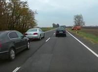 Elképesztő vontatás az autópályán