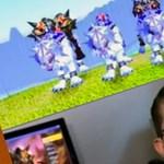 Az egész család Warcraft-függő (videó)