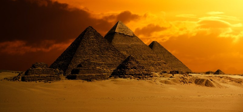 A gízai piramisoknál fog koncertezni a Red Hot Chili Peppers