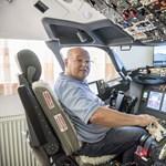"""A fél nappaliját elfoglalja egy pilótafülke, de így Boeinggel """"repkedhet"""" a világban"""