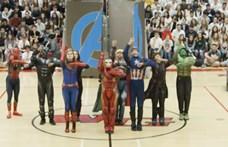 Zseniális: egy amerikai iskola diákjai eltáncolták a Bosszúállók: Végjáték csatajelenetét