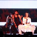 Rihanna segített az előbújásban egyik meleg rajongójának