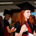 Adiplomás magyar nők 17 évvel tovább élnek, mint akevéssé képzett férfiak