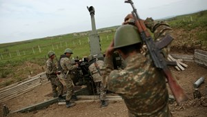 Az azeriek és az örmények újra lövik egymást Karabah miatt