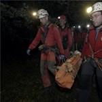 Eltűnt túrázó holttestét találták meg a barlangi mentők (fotók)