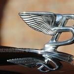Szuper ritka Bentley-t árulnak Pécsen, mutatjuk a 65 millió forintos különlegességet