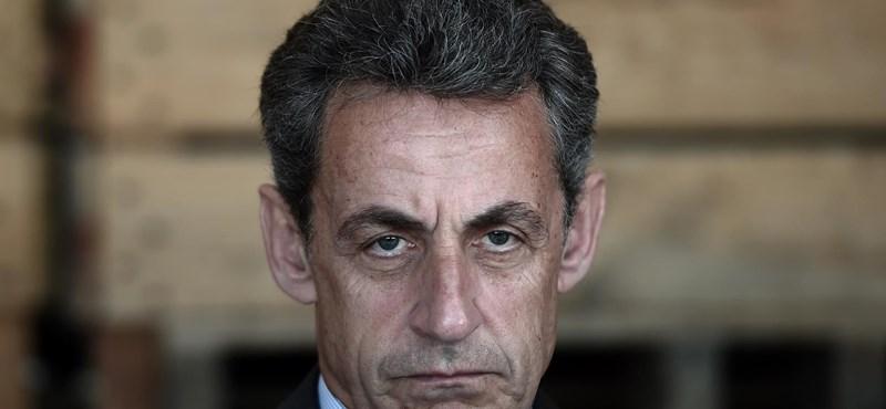 25 órán át hallgatták ki Sarkozyt