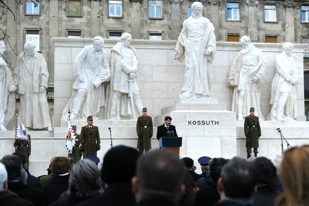 20150303004 - tg. Kossuth tér, Kossuth szobor avatása 2015.03.03. Áder János