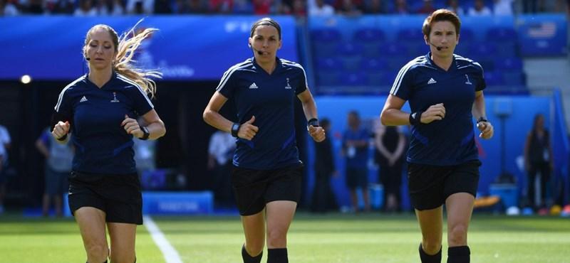 Ez focitörténelem: női bíró vezeti a Liverpool-Chelsea szuperkupa döntőt